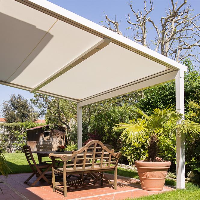 Protection solaire toile à enroulement